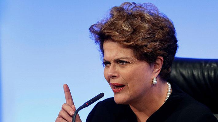 """Dilma Rousseff asegura que """"libre o preso, Lula será elegido presidente"""""""
