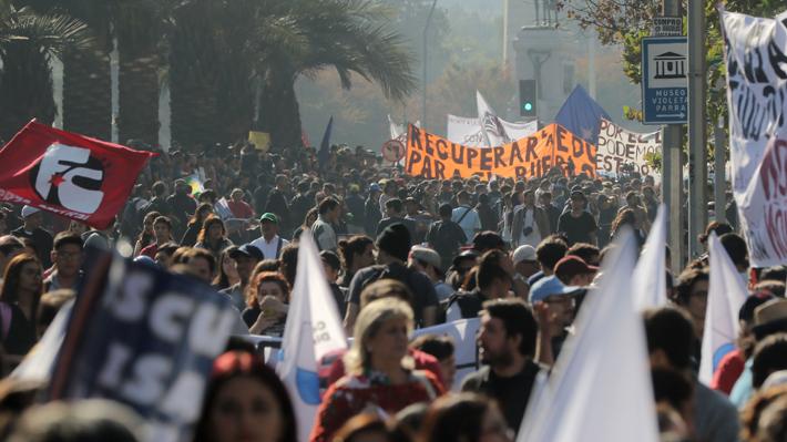 """""""Por una educación no sexista"""": Confech convoca marcha en medio de seguidilla de acusaciones de acoso"""