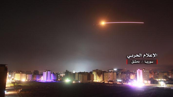 """Siria advierte que ataque de Israel abre una nueva etapa de """"enfrentamiento directo"""" entre ambas naciones"""