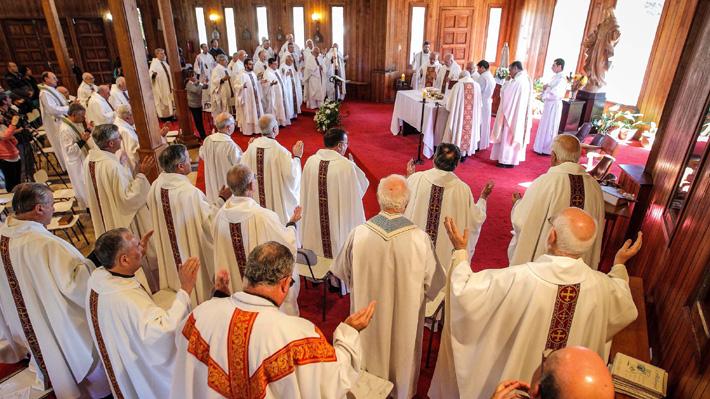 Santa Sede entrega detalles del encuentro que sostendrá el Papa Francisco con obispos chilenos por abusos sexuales