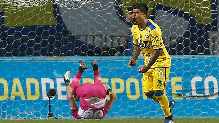 Everton sale de zona de descenso al empatar con Curicó, pero sigue muy complicado en la parte baja de la tabla