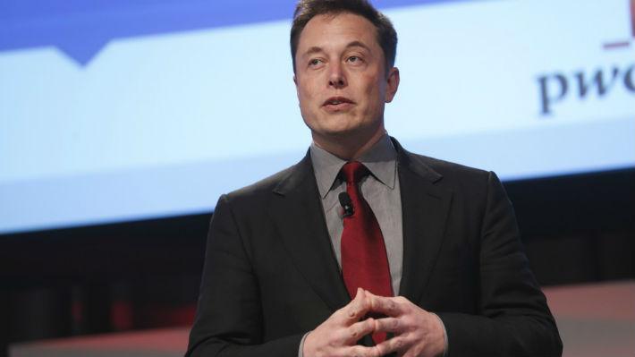 Elon Musk versus la prensa: Critica la cobertura por choques de vehículos Tesla