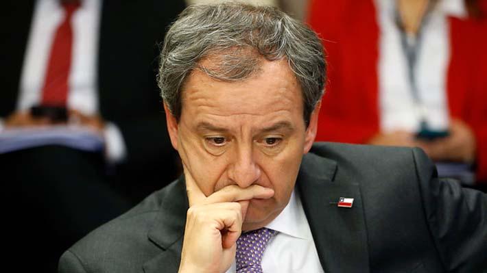 """""""Pequeñas humillaciones"""": La frase del ministro Varela sobre acoso a mujeres que desató críticas en el Congreso"""