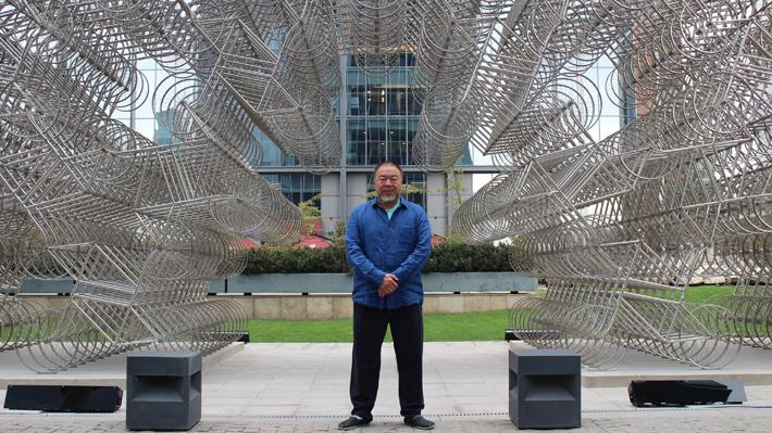 Arte, contingencia y derechos humanos: Treinta obras de Ai Weiwei aterrizan en Chile