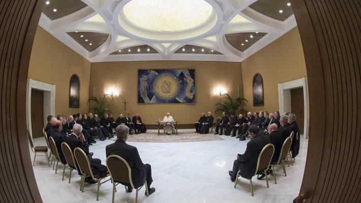 """Papa a obispos chilenos: """"La remoción de personas no alcanza"""" para reparar """"escándalo"""" por abusos sexuales"""