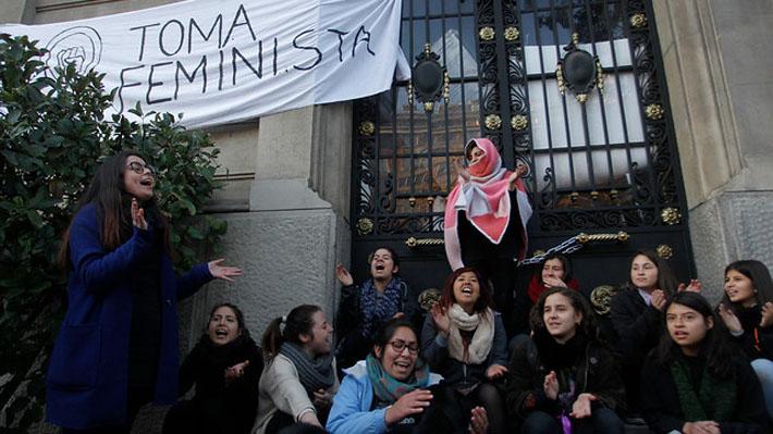 El petitorio de las alumnas que se tomaron la Casa Central de la UC por primera vez en 32 años