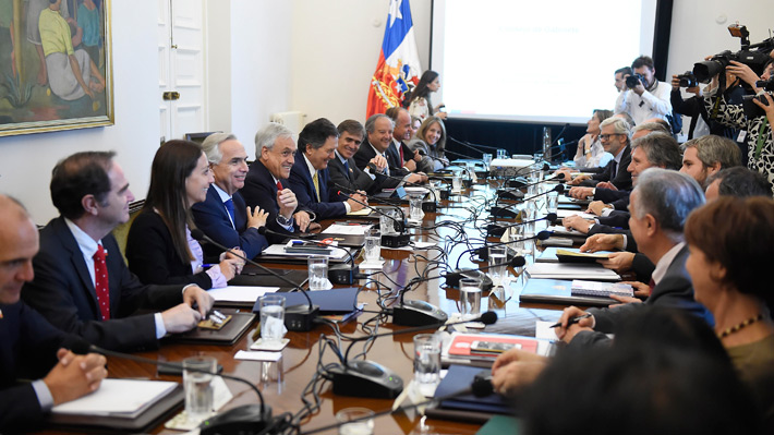 Piñera encabeza consejo de gabinete a días de su primera cuenta pública ante el Congreso
