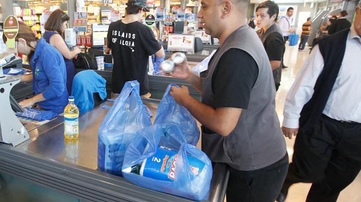 Senado aprueba proyecto que pone fin a las bolsas plásticas en todo Chile