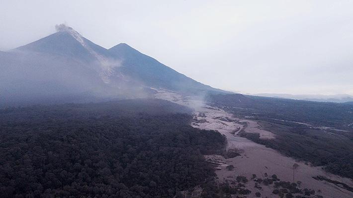 Sube a 33 la cifra de muertos por erupción del volcán de Fuego en Guatemala