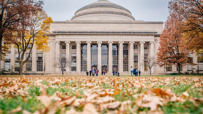 Ranking posiciona al MIT como la mejor universidad del mundo y a la PUC en cuarto lugar regional