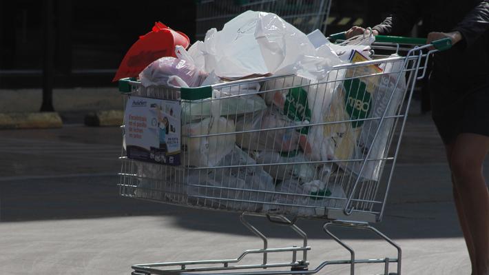 17692b5d7 Se proyecta que la prohibición de entregar bolsas plásticas en el comercio  podría impactar a unas 120 empresas.