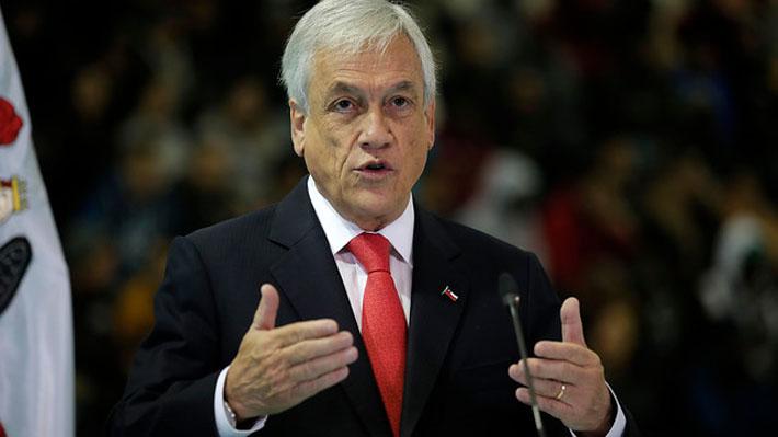 """Piñera presenta nuevo crédito para estudiantes que deja fuera a la banca: """"Es solo un paso y no agota nuestro desafío"""""""