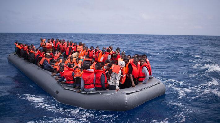 Italia y Malta cruzan declaraciones por barco con 629 inmigrantes