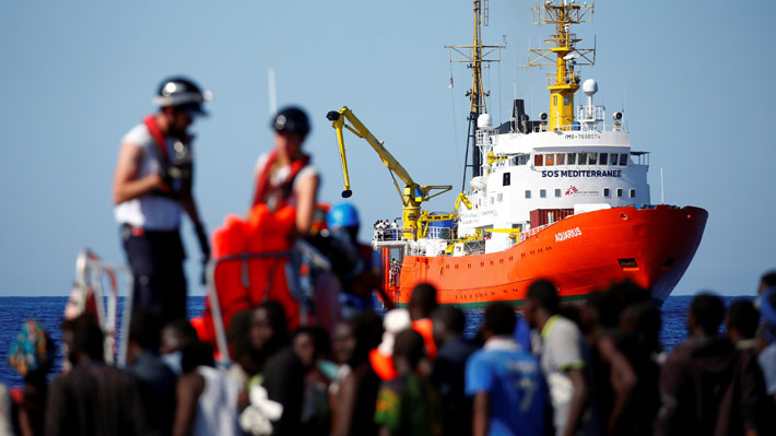 España acogerá a barco con 629 migrantes que se encontraba sin rumbo en el Mediterráneo