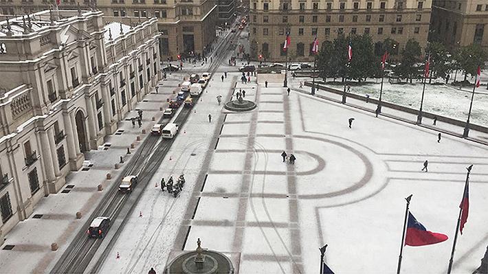 Galería: Las postales que han dejado las nevazones en Santiago y otras ciudades de Chile