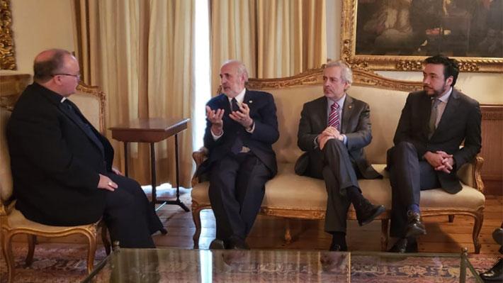 """Abbott tras cita con Scicluna: """"Hemos compartido la necesidad absoluta de la cooperación entre la Iglesia y el Estado de Chile"""""""