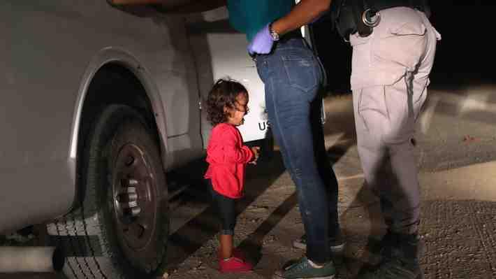 """Laura Bush por política de Trump: Separar familias de inmigrantes es """"cruel"""" e """"inmoral"""". ¿Qué opinas?"""