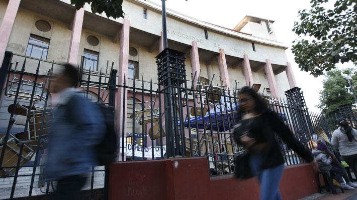 Educación no sexista y protocolos contra el acoso: El petitorio unificado de las tomas feministas en la U.de Chile