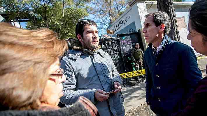 Alessandri cierra año escolar de Liceo Amunátegui tras incendio por toma. ¿Qué te parece?
