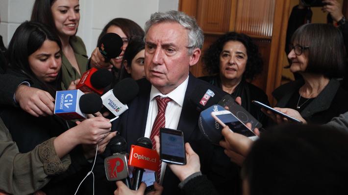 Rector de la U. de Chile convocó a voceras de petitorio feminista a una reunión este martes para acercar posiciones
