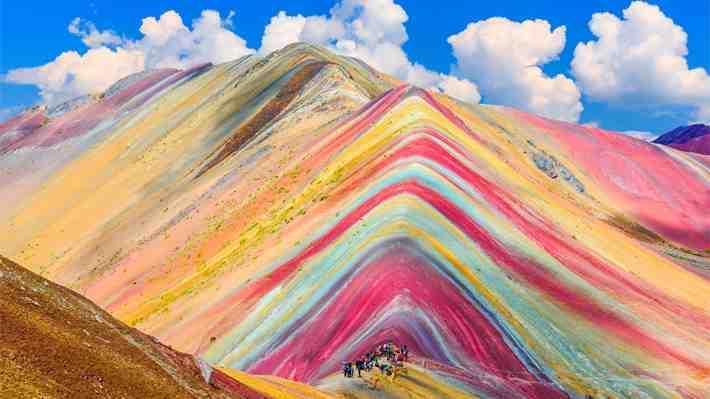 Presidente de Perú asegura que la montaña de siete colores será preservada