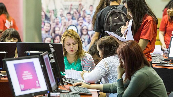 Matrícula en universidades aumenta 2,3% y se estanca el número de alumnos de educación técnica