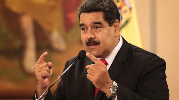 Maduro vuelve a embestir contra Santos al acusarlo de atentar contra su vida
