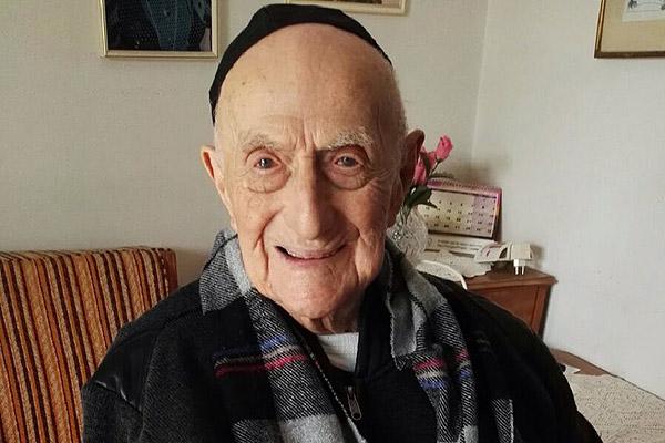 Sobreviviente de Auschwitz es reconocido como el hombre más anciano del mundo