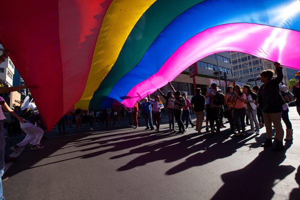 Gobierno y Movilh alcanzan preacuerdo para impulsar ley de matrimonio igualitario