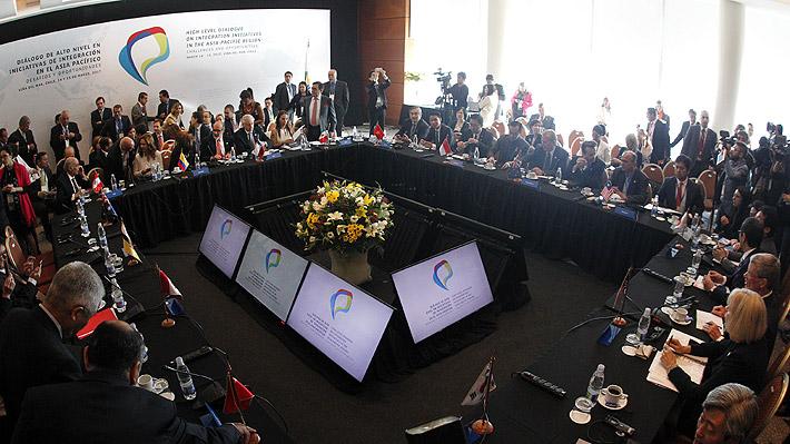 Países miembros del TPP acuerdan seguir adelante con las conversaciones pese a salida de EE.UU.