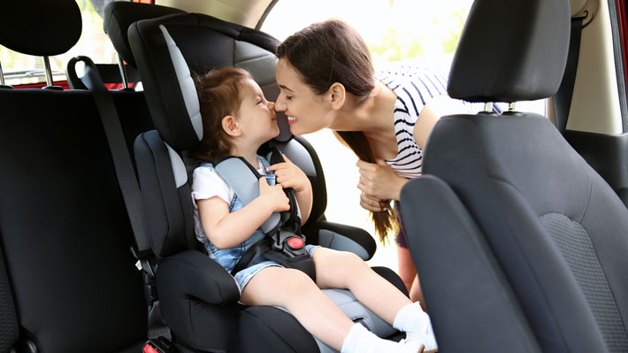 Ahora con tres pasos la silla de niños del auto quedará bien asegurada