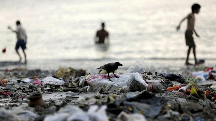 El plástico en los ríos es uno de los mayores contaminantes de océanos