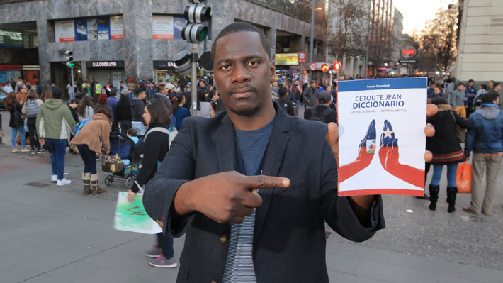Haitiano crea primer diccionario creóle-español: