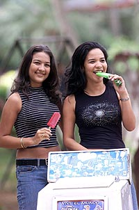 13efad8b86ed Los 21 tipos de mujeres chilenas | Emol.com