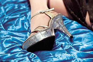 Mujeres esclavizadas en el auge del turismo de burdel en España | Emol.com