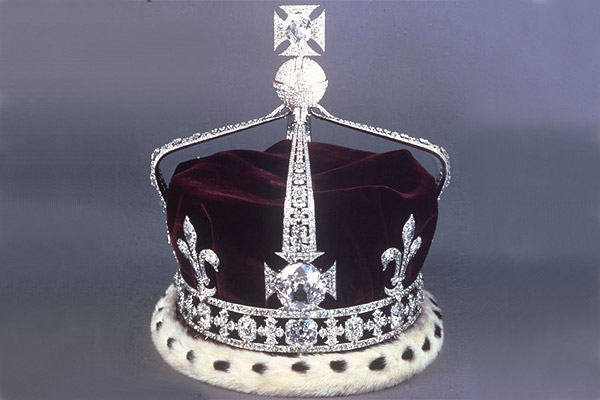 Corona de Isabel con diamante Koh-i-noor.