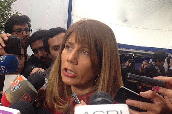 Ministra Rincón refuta cifras del INE y afirma que en Chile se sigue creando empleo
