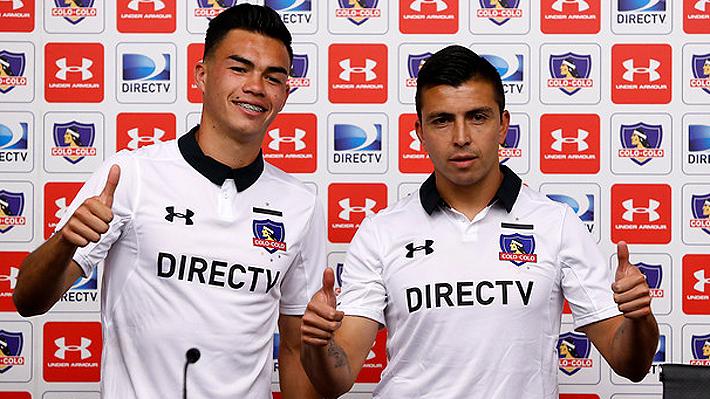 10bed81bfb021 Gabriel Suazo y Gonzalo Fierro lucieron la nueva camiseta de Colo Colo.