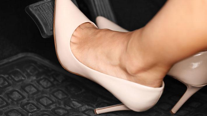 806157aa0 Calzado y conducción: algunos zapatos pueden ser un peligro fatal ...