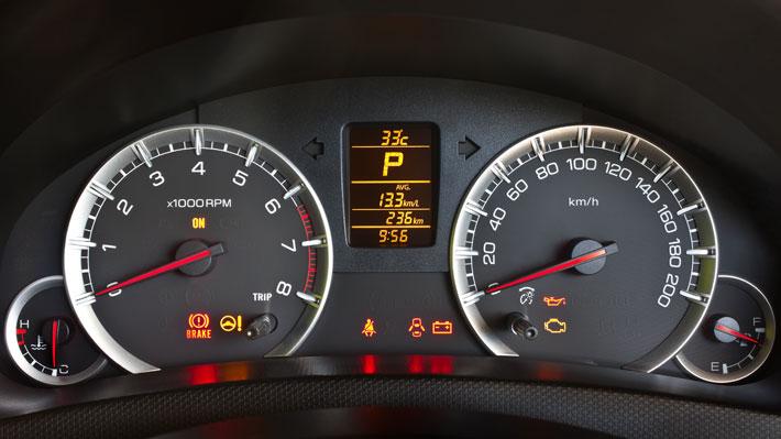 Aprende qué significan las luces del tablero de tu auto ...