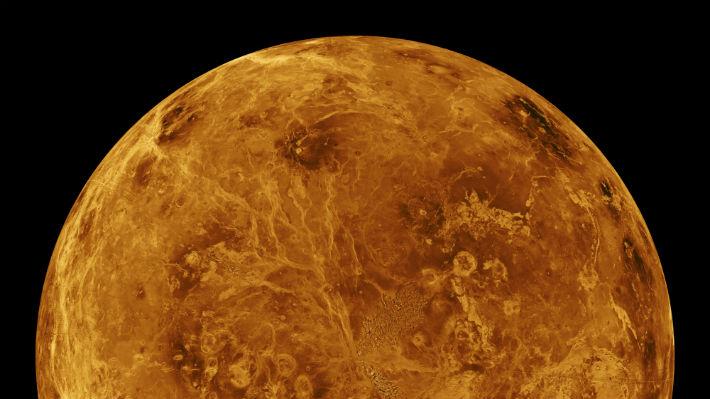 """La atmósfera en la cara oscura de Venus es """"irregular"""" y cuenta con nubes distintas a su lado iluminado"""