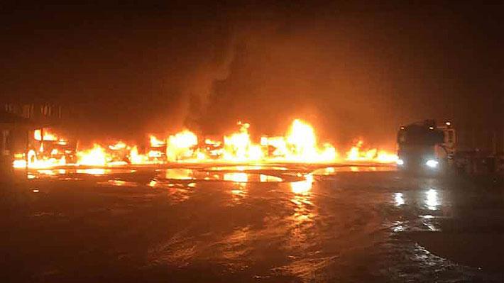 Citan a reunión de emergencia en La Moneda por incendio de camiones en San José de la Mariquina