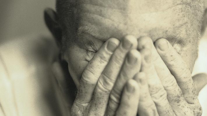 Conoce los tres síntomas claves de un ataque cerebrovascular, y qué debes hacer si tú o algún cercano los presenta