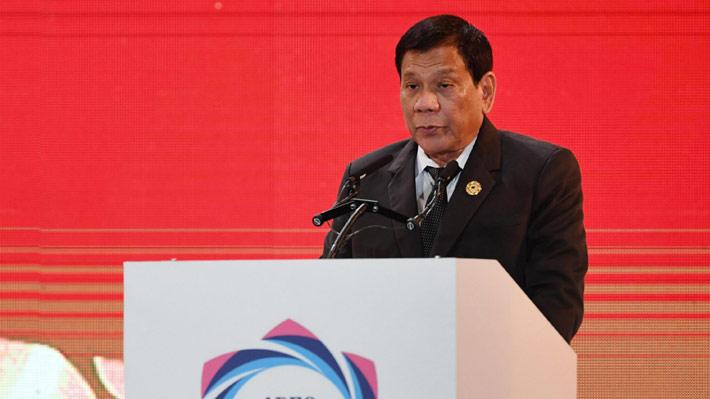 """Presidente de Filipinas asegura que mató a una persona cuando tenía 16 años: """"Fue por una simple mirada"""""""