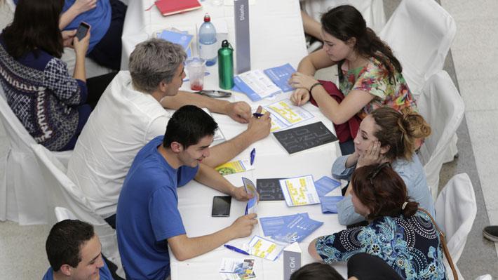 Escasas oportunidades: Conoce las carreras más saturadas en el mercado laboral chileno