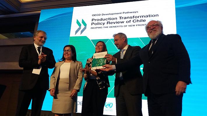 """El """"tirón de orejas"""" de la OCDE a Chile: Alerta vulnerabilidad extrema por baja diversidad económica"""