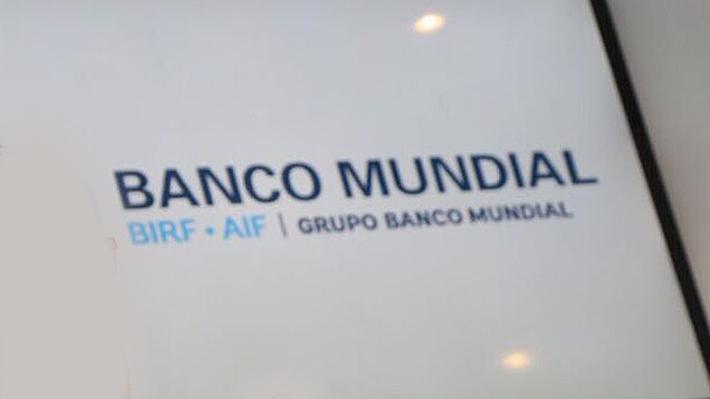 Economista jefe del Banco Mundial: Sin cambios metodológicos Chile habría caído 5 y no 21 puestos en ranking