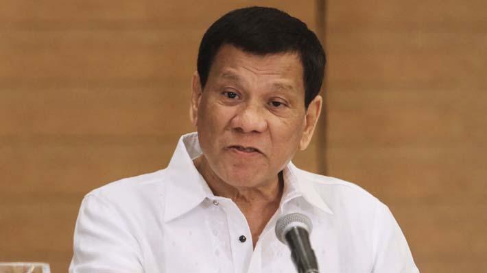 """Presidente de Filipinas desaconseja el uso de preservativos al """"no ser placenteros"""""""