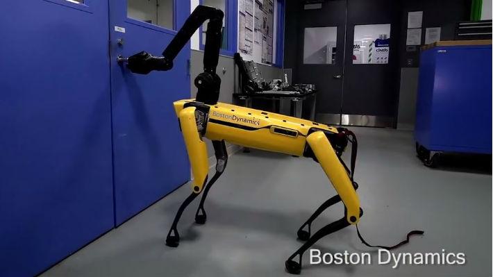 Ahora sí que asusta: Boston Dynamics muestra un nuevo video de su perro-robot abriendo una puerta