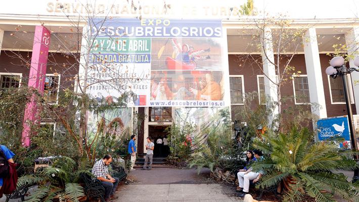 Providencia pide desalojar edificio de Sernatur para convertirlo nuevamente en un mercado